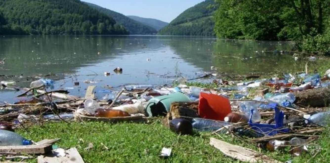 Засорение рек в Украине вызвало беспокойство стран-соседей