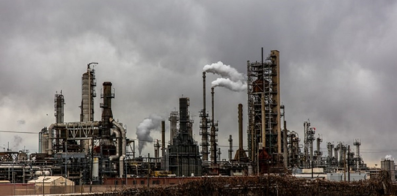 В Украине серьезно снижают вредные выбросы лишь отдельные предприятия