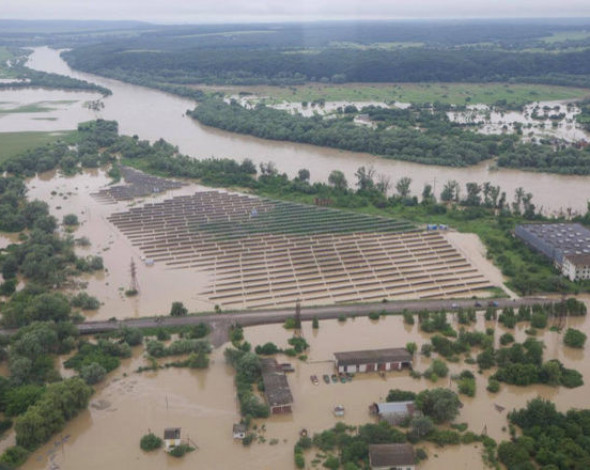 Delfi и пожары. Назван топ-5 крупнейших экологических катастроф года в Украине